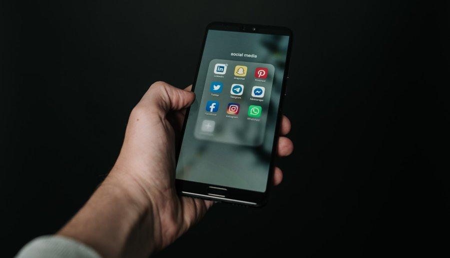 How to improve customer service on social media